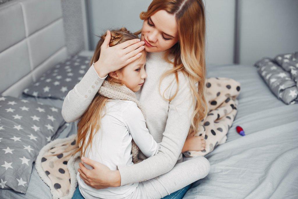 Ацетон в моче у ребенка (ацетонурия у детей): что делать, причины, симптомы, лечение