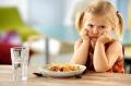 Чи потрібно дитині снідати
