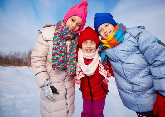 Как защитить ребенка от холода и ветра на прогулке: правильный выбор зимней одежды