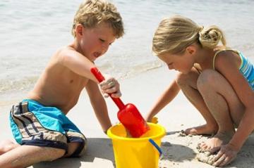 Куда поехать на море с ребенком летом?