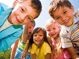 Отдых детей летом: санаторий или лагерь?