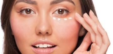Простые правила ухода за кожей вокруг глаз, которыми мы часто пренебрегаем