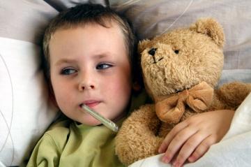 Температура у ребенка: когда ее лучше не сбивать?