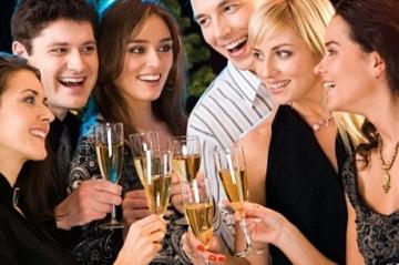 Сгладить последствия праздничных застолий поможет… чай с лимоном