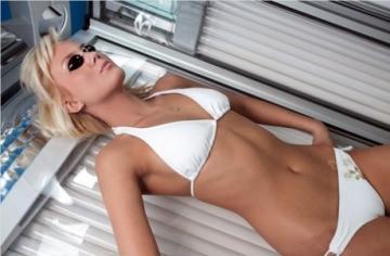 Врачи «Медісвіт» предупреждают: загар провоцирует старение кожи