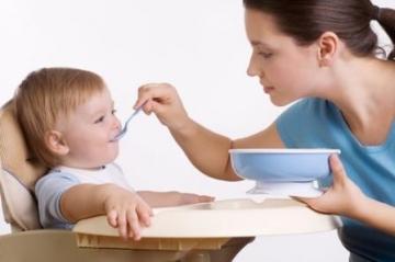 Как и чем кормить ребенка после года